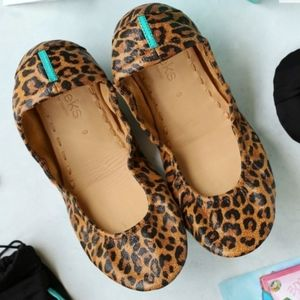EEUC Leopard print tieks size 8